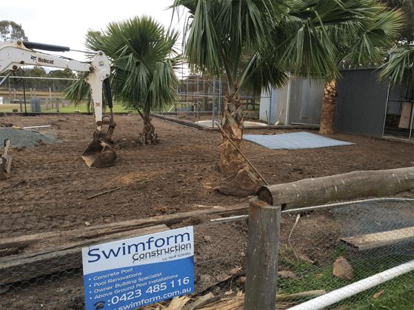 animal enclosure pools at hunter valley zoo